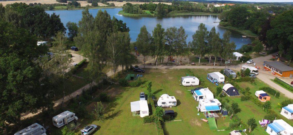 Camping Sternberger Seenland in Sternberg is een charme camping gelegen aan een meer in de regio Mecklenburg-Voor-Pommeren.