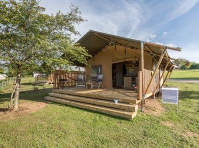 Camping du Lac de Bonnefon is een kleine familiecamping gelegen op 1,5 kilometer van het dorpje Naucelle.
