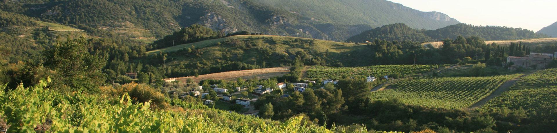 Domaine De La Gautière is een kleine kindercamping in La Penne-sur-l'Ouvèze in de regio Rhône-Alpes met 50 toerplaatsen en 12 huuraccommodaties.