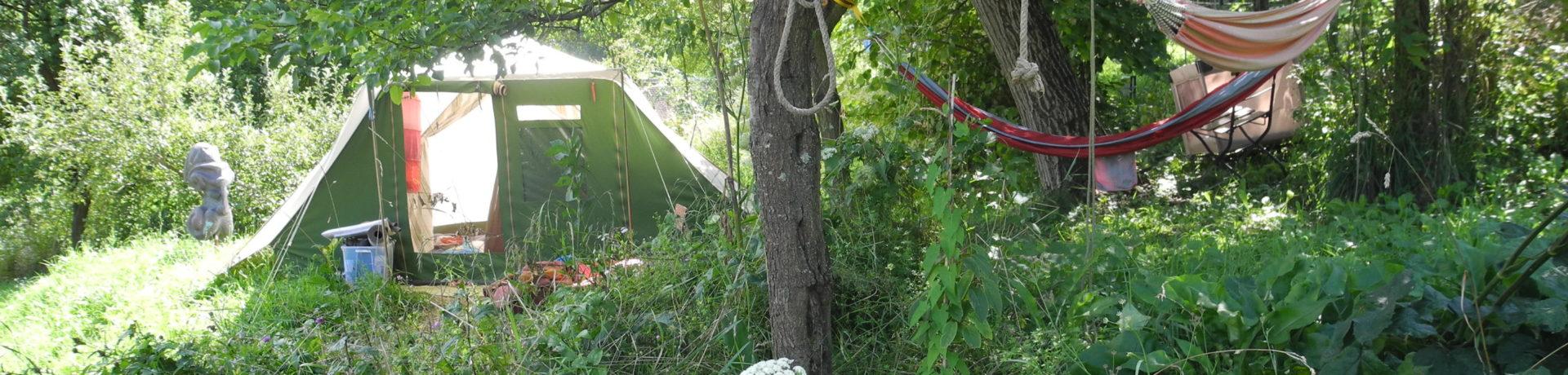 Hunza Ecolodge is een charme camping met bijzondere glampingtenten midden in de natuur in het Zuiden van Hongarije in het comitaat (provincie) Baranya.