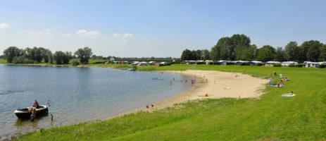 Recreatiepark En Jachthaven Rhederlaagse Meren in Lathum is een recreatiepark in Gelderland gelegen aan het unieke watersportcentrum Rhederlaag.