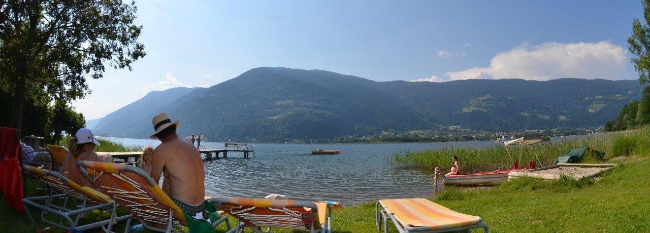 Wellness Seecamping Parth in Ossiach is een charme camping in Karinthië gelegen aan een rivier/meer.