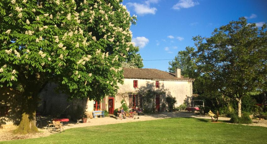 La Grosse Talle is een authentiek, sfeervol boerderijencomplex gebouwd in de stijl van de Poitou-Charentes in Zuidwest-Frankrijk.