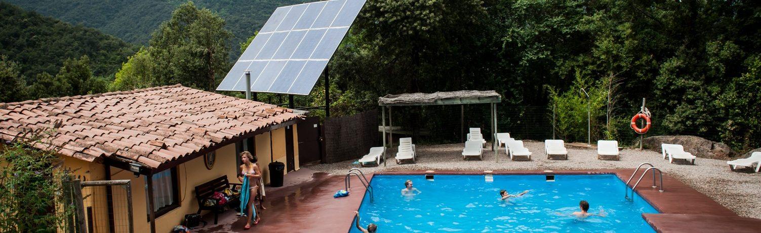 Kleine camping in Spanje, de ideale bestemming in Catalonië waar men volop geniet van rust, ruimte privacy en natuur.