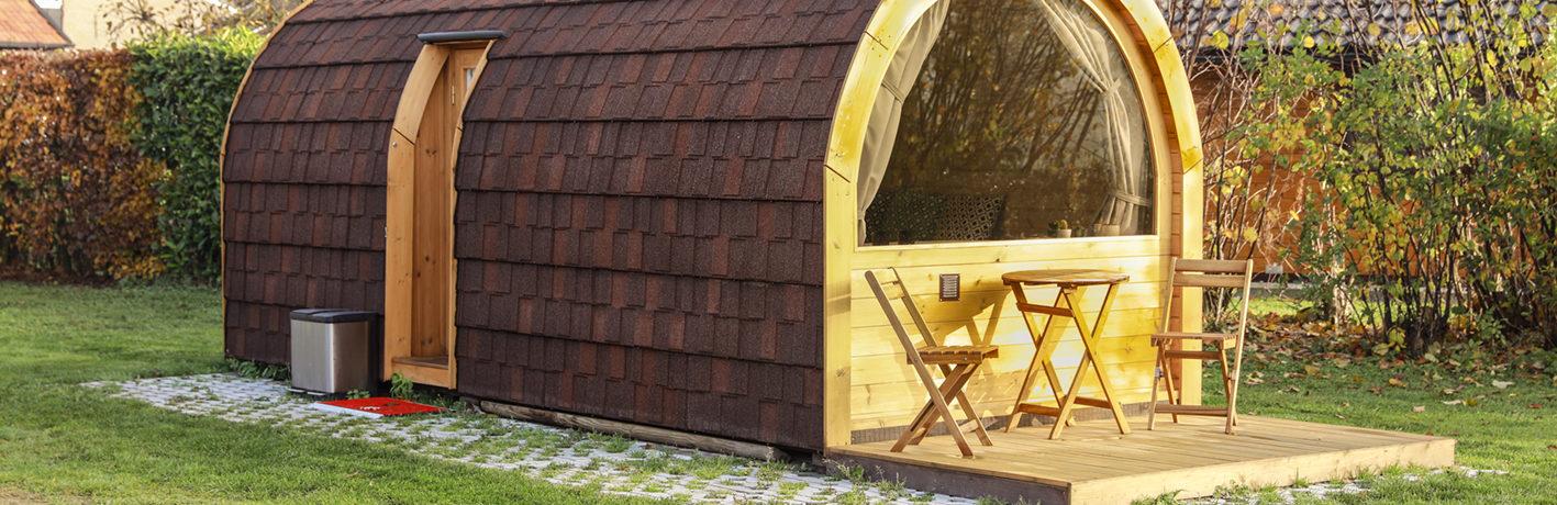 Tiny House Ecolodge Barelio (trekkershut) - een knusse hotelkamer in de natuur voor 3 personen op het Landgoed De Barendonk in Noord-Brabant.