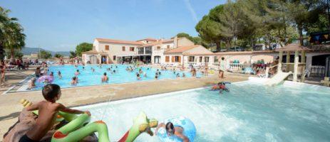 Camping l'Artaudois in Le Pradet is een middelgrote camping (67 - 150 plaatsen) met zwembad gelegen aan zee in het departement Var.