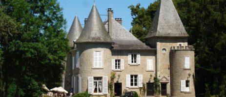 Bungalowtent huren in de Dordogne? Geniet van een heerlijke vakantie met Juliette Tentvakanties op camping Domaine de Mialaret in de Limousin. Gaat u mee?