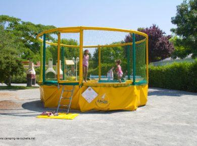 Flower Camping L'abri-Côtier trampoline