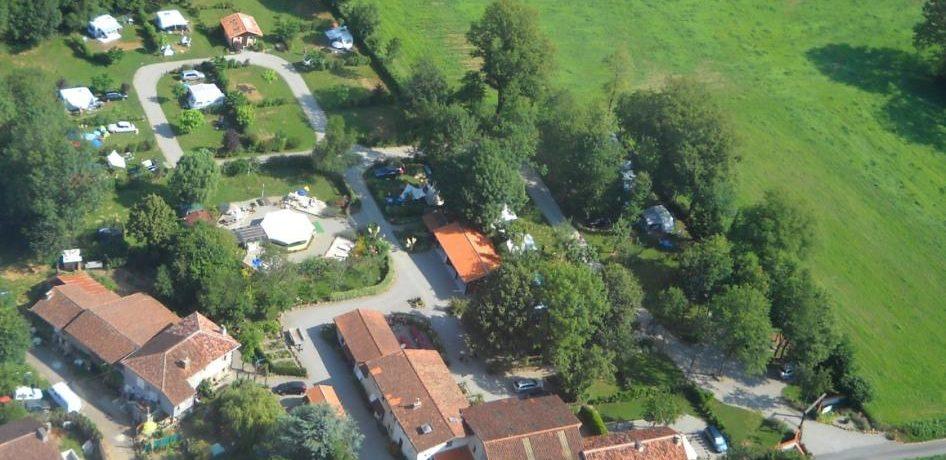 Boek een Juliette bungalowtent op Domaine En Campagne. Een heerlijke kleine camping op het platteland van de Charente-Limousin.