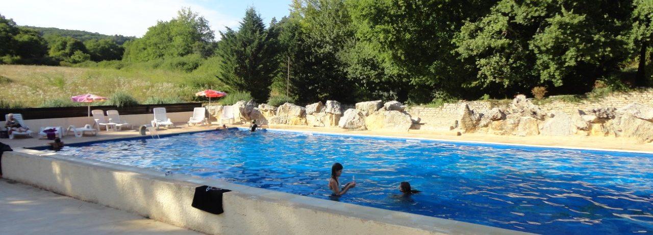 Boek een Juliette safaritent op Camping Les Tourterelles. Ideaal gelegen in het bosrijke en heuvelachtige landschap van de Périgord.