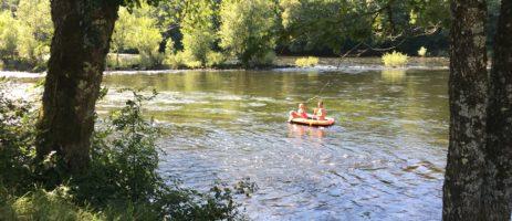 Camping La Champagne is een heerlijk relaxte charme camping aan de oever van de rivier de Dordogne!