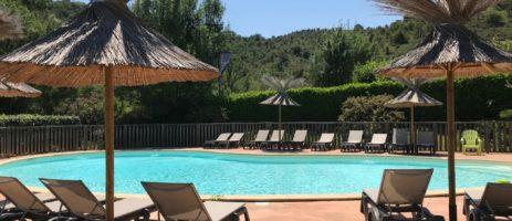 Tendi Camping Saint Amand in de Ardèche is een rustig gelegen, kleine familiecamping in een natuurlijke omgeving omringd door wijngaarden.