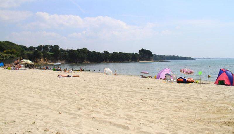 Camping Les Saules in La Forêt-Fouesnant is een middelgrote camping met zwembad gelegen aan zee inhet zuiden van Finistère tussen Concarneau en Bénodet.