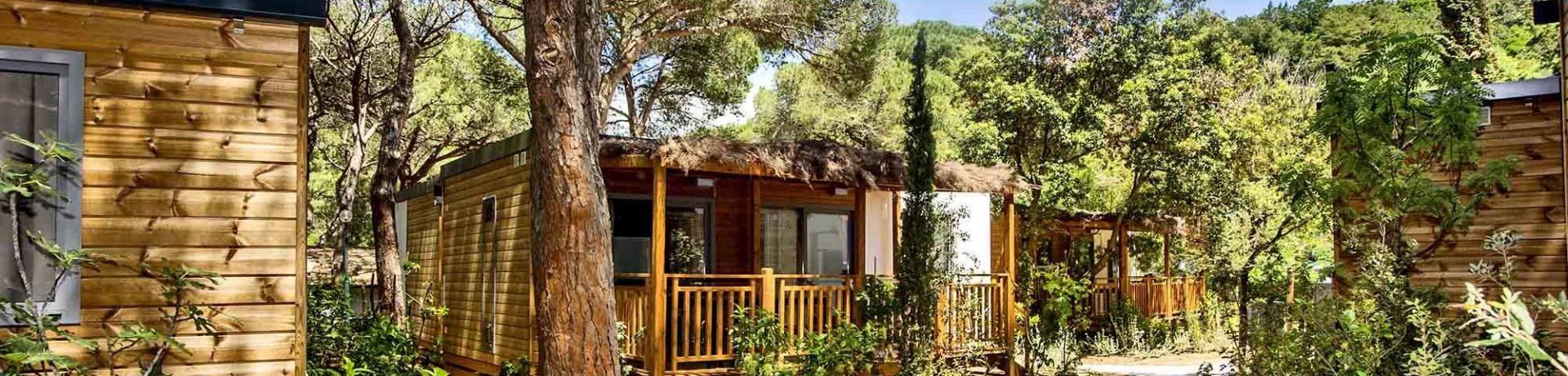 Camping Village Santapomata, direct toegankelijk tot de zee, is gevestigd in de plaats Rocchette op slechts 5 km van het centrum van Castiglione della Pescaia.