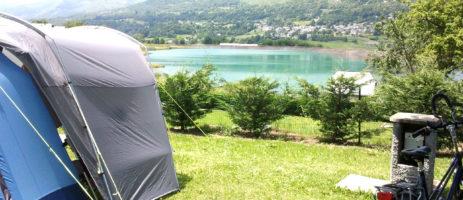 Heerlijke camping in het hart van het Nationaal Park van de Pyreneeën gelegen in een zeer rustige omgeving bij het meer, op 2.5 km van Argeles-Gazost en 10 km van Lourdes.