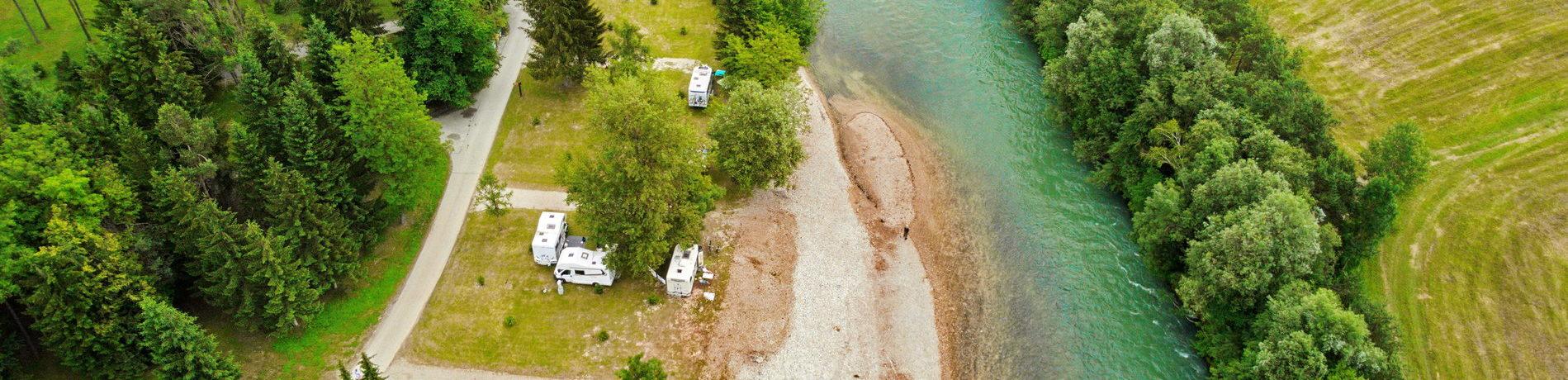 Camping Šobec in Slovenië, uw plek in de natuur! Breng uw vakantie door in het hart van de ongerepte Sloveense natuur en ontdek de Julische Alpen.